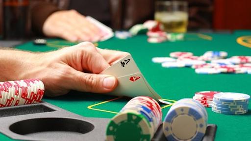 Chơi cờ bạc online có dễ thắng không?