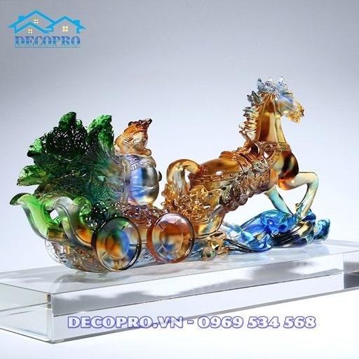 Tượng ngựa lộc thủy tinh - Quà tặng ý nghĩa cho đối tác